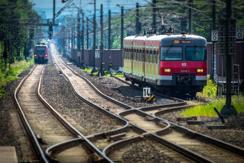 Trem meio de transporte seguro